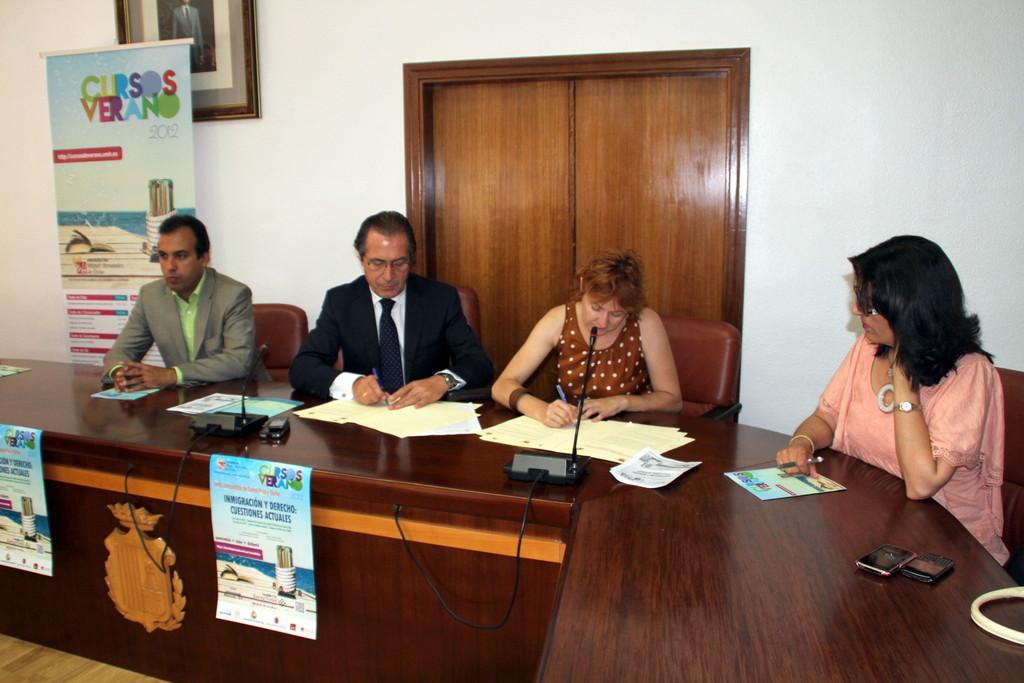 Ajuntament de santa pola oficina de comunicaci la umh y for Convenio oficinas y despachos alicante