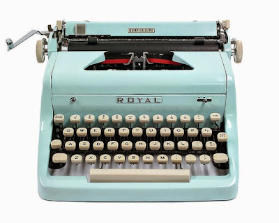 https://www.etsy.com/fr/listing/218496673/1955-blue-royal-quiet-de-luxe-typewriter?ref=favs_view_14