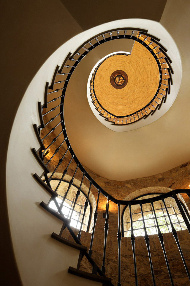 Spiral stairs in Luxury Villa Del Lago