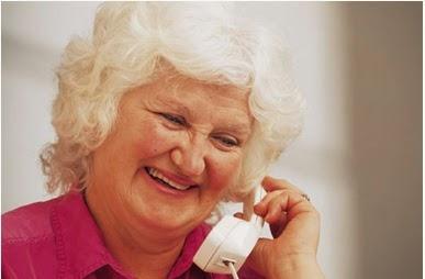 """Képtalálat a következőre: """"néni telefonál"""""""