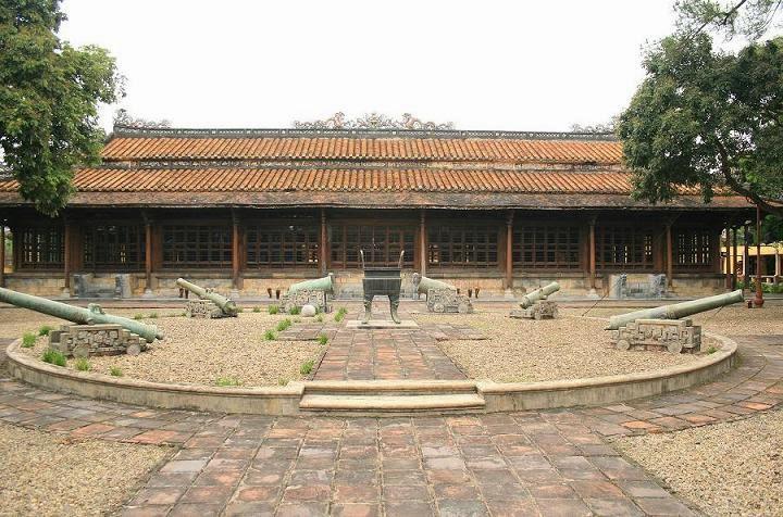 điện long an Bảo tàng mỹ thuật cung đình Huế