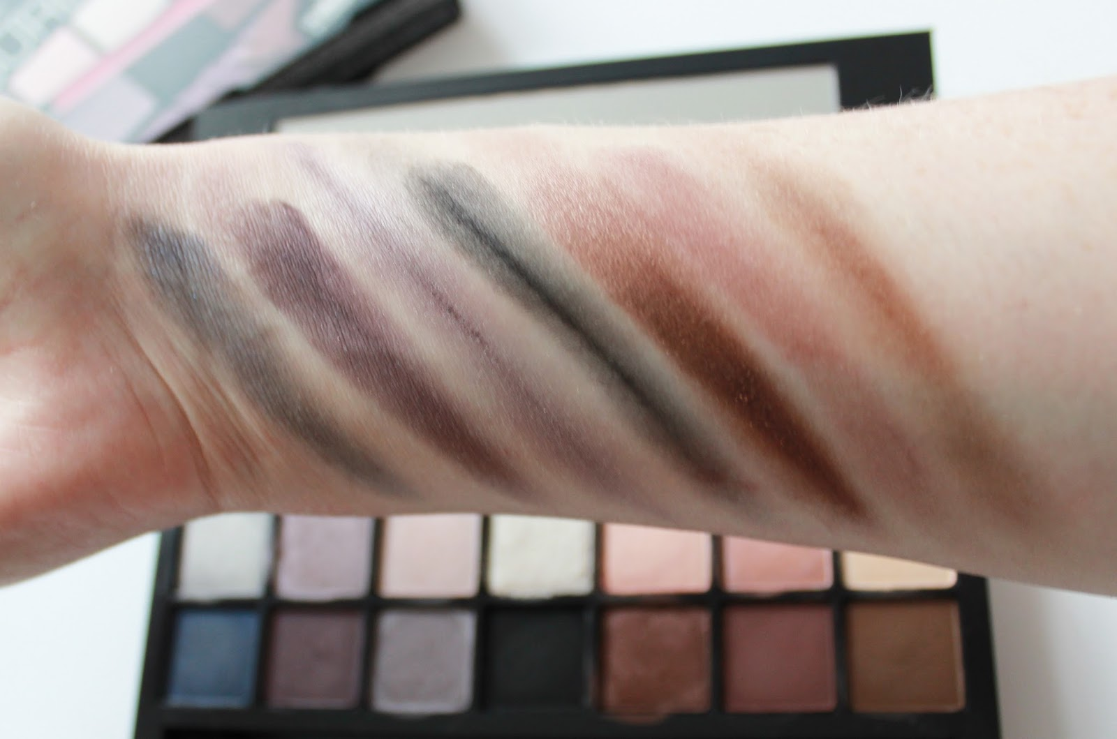 Smashbox double exposure eye shadow palette swatches bottom row