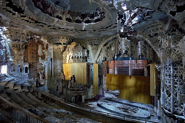 Green Pear Diaries, lugares abandonados, United Artists Theater, Detroit, Michigan,