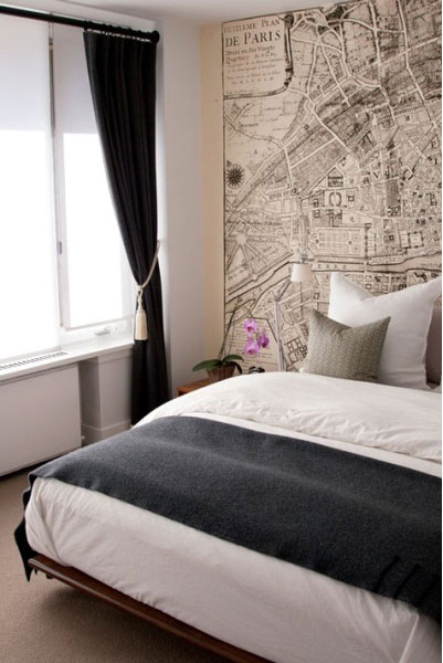 map-decor-in-the-bedroom