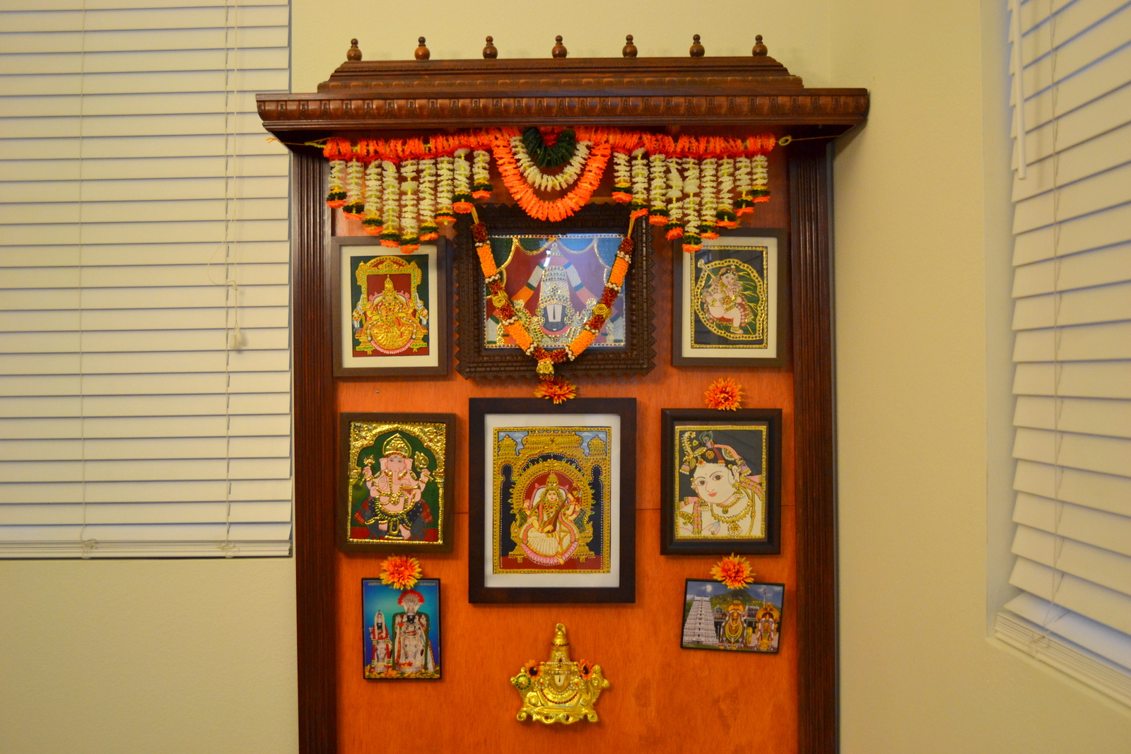 Pooja shelf mandir mantap and wooden mandapam usa hawaii for Room design usa
