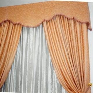 Mantovana tessuto decorativo applicato a finestre, tende da sole o a tettoie