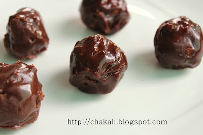 Chocolate and coconut laddu, quick and easy