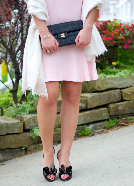 valentino d'orsay pumps and blush pink dress
