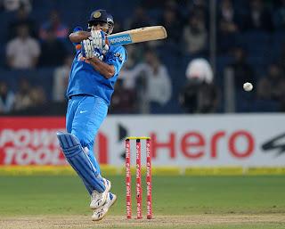 MS-Dhoni-IND-v-ENG-1st-T20I