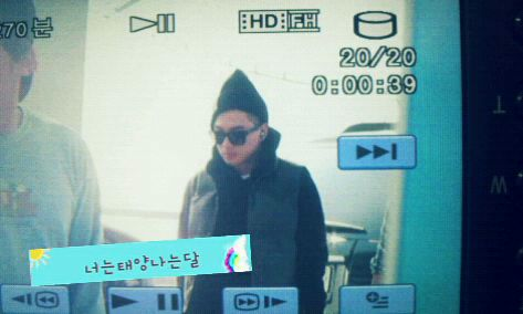 Big Bang Photos - Page 3 Taeyang-airport