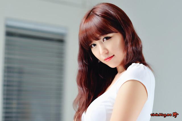 Lee Eun Hye Sexy in White Dress