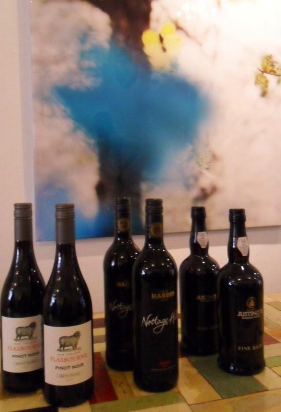 Reis om de wereld in wijn en spijs gereons keuken thuis - Thuis de wereld opbergdoos ...
