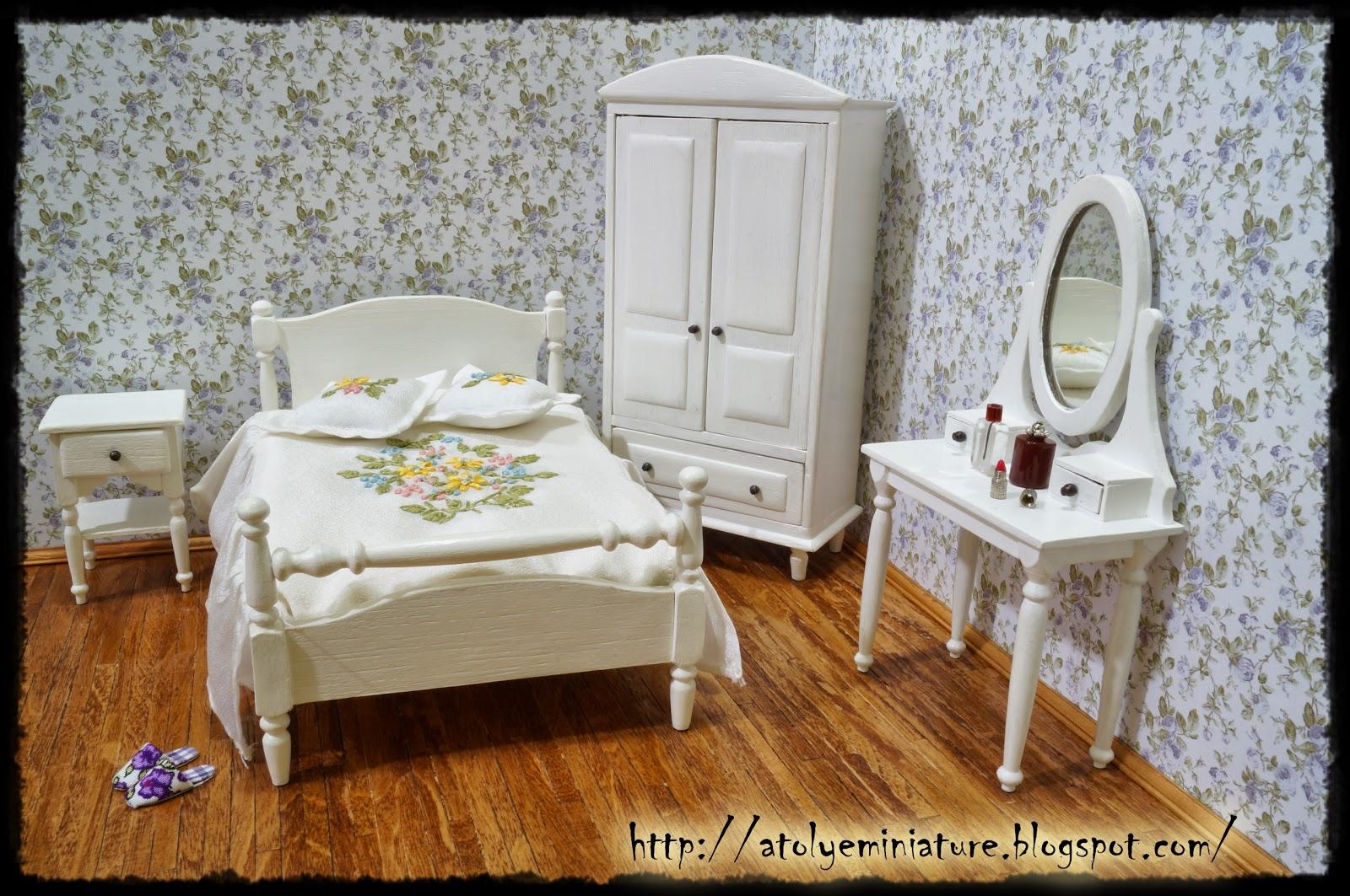 1:12 bedroom