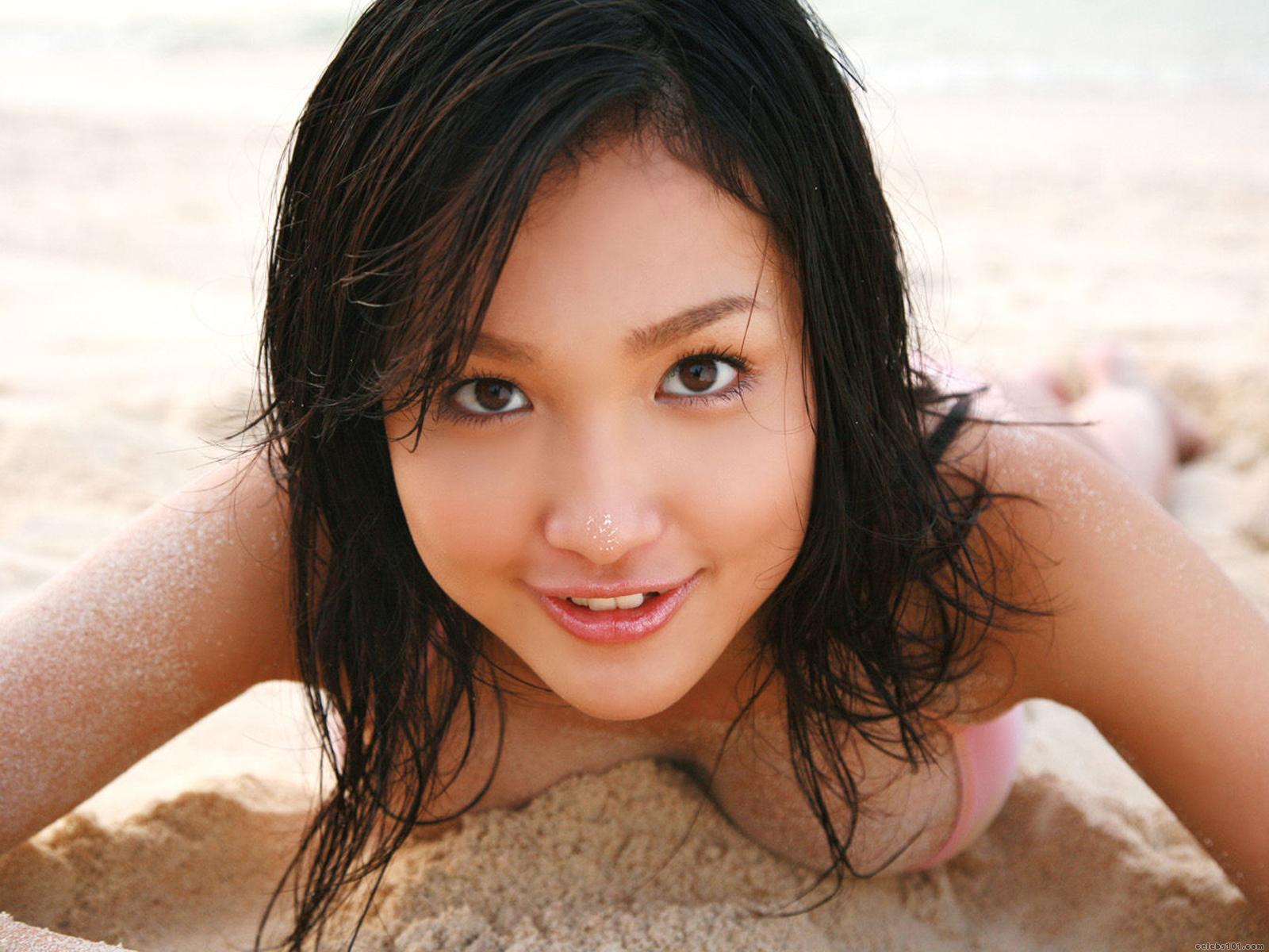 Japanese model and actress Reon Kadena Wallpapers