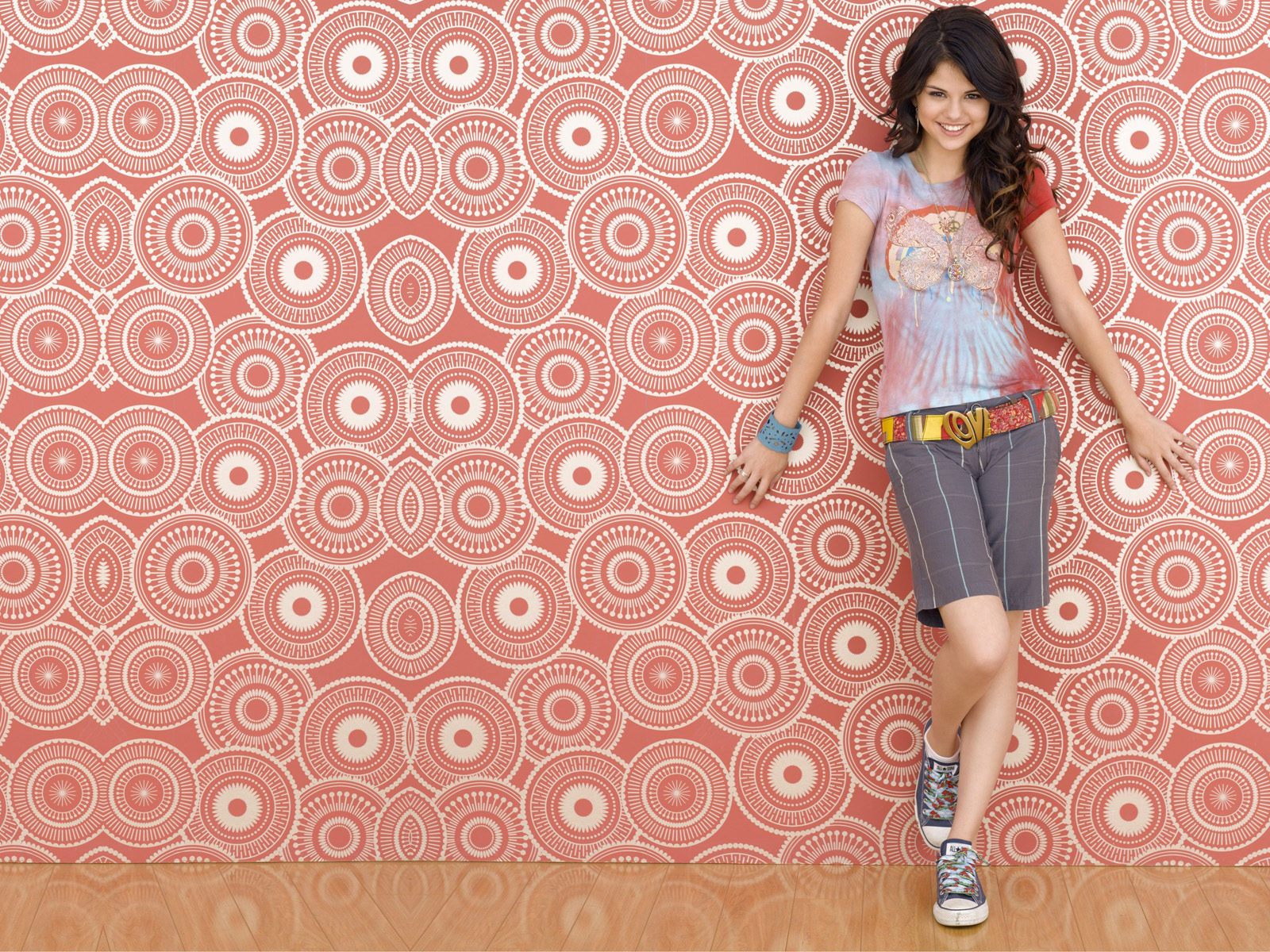 http://2.bp.blogspot.com/-0PyKwLXyUJE/Tj9n-89ytwI/AAAAAAAAAcY/mj0jhjmdsvE/s1600/selena-gomez-wallpaper-desktop-background-3.jpg