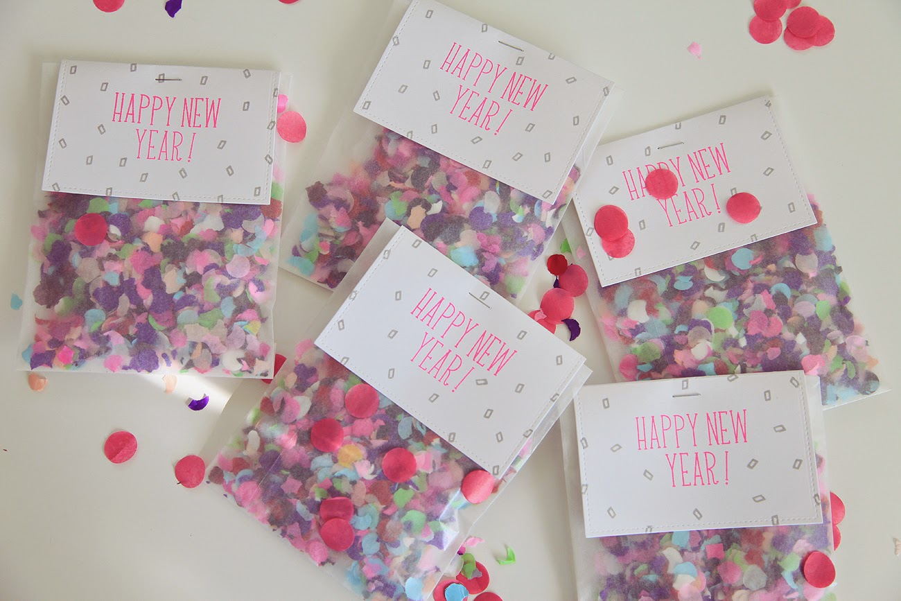 DIY--Easy New Year's Eve Confetti Bags
