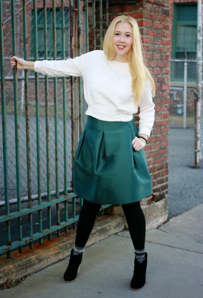 outfits, boston fashion, boston fashion blog, Holiday Party Outfit, Holiday Party Style, 424 Fifth, birdcage skirt, how to wear a bird cage skirt, how to wear a cropped sweatshirt