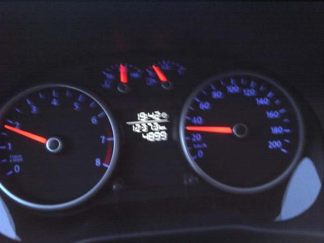 Volkswagen Gol G5 2011 1.0 Trend - iluminação noturna dos instrumentos