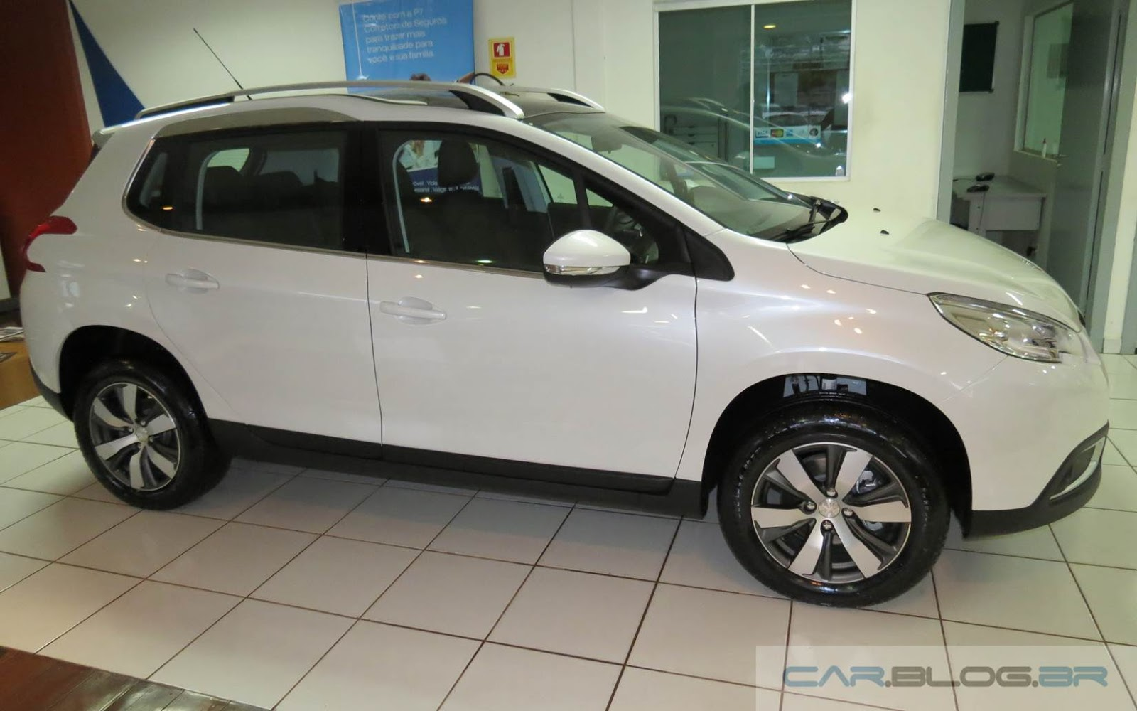 Novo Peugeot 2008 Automático - Branco Nacré