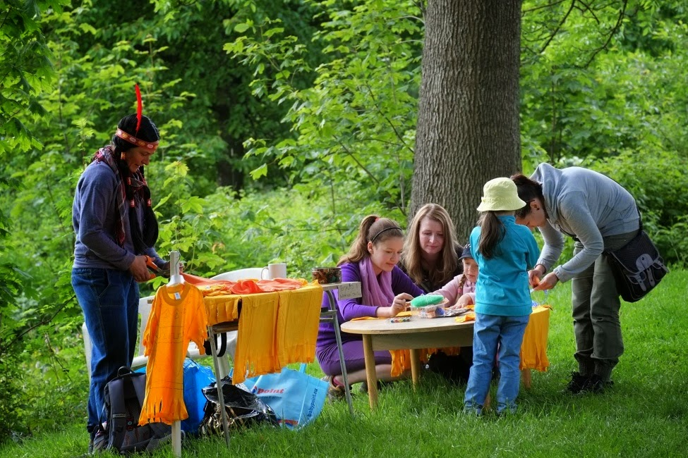 Dětský den po indiánsku na Krásné 1. 6. 2014 autor: P. Hála