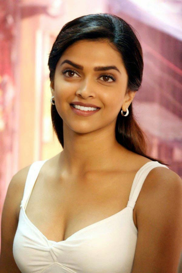 naked pictures of deepika padukone