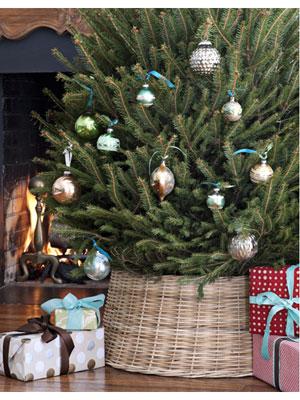 Spring Hill Farm: Wicker Christmas Tree Stand