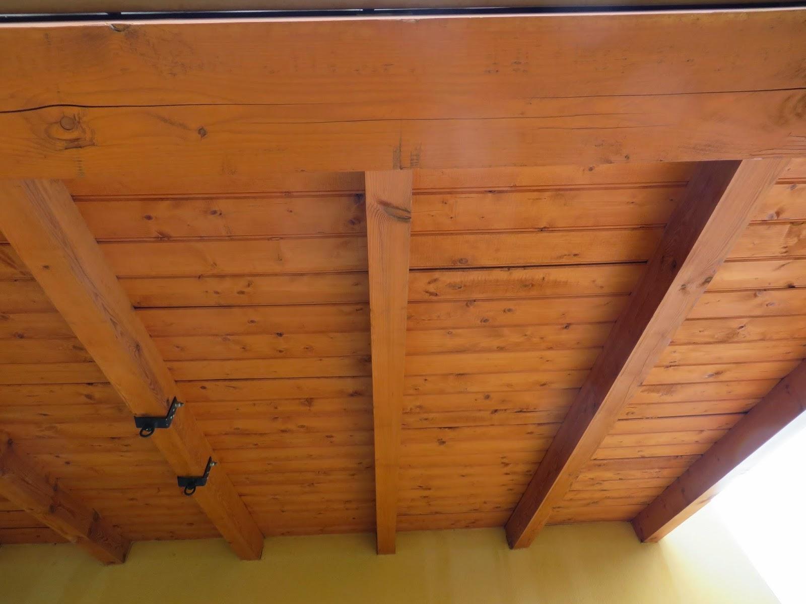 Reformas villasol porches con encanto en le n montaje de - Cenadores de madera ...