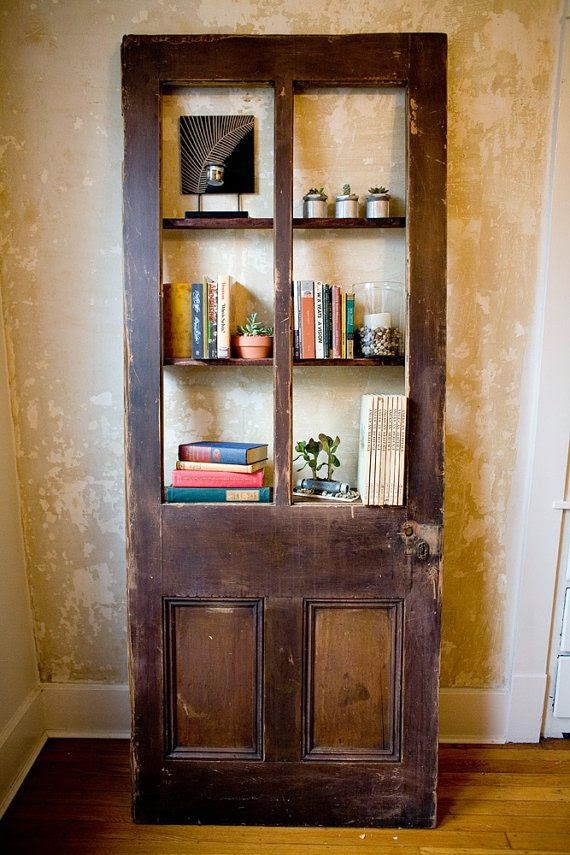 Inspiracje ze starymi drzwiami w tle