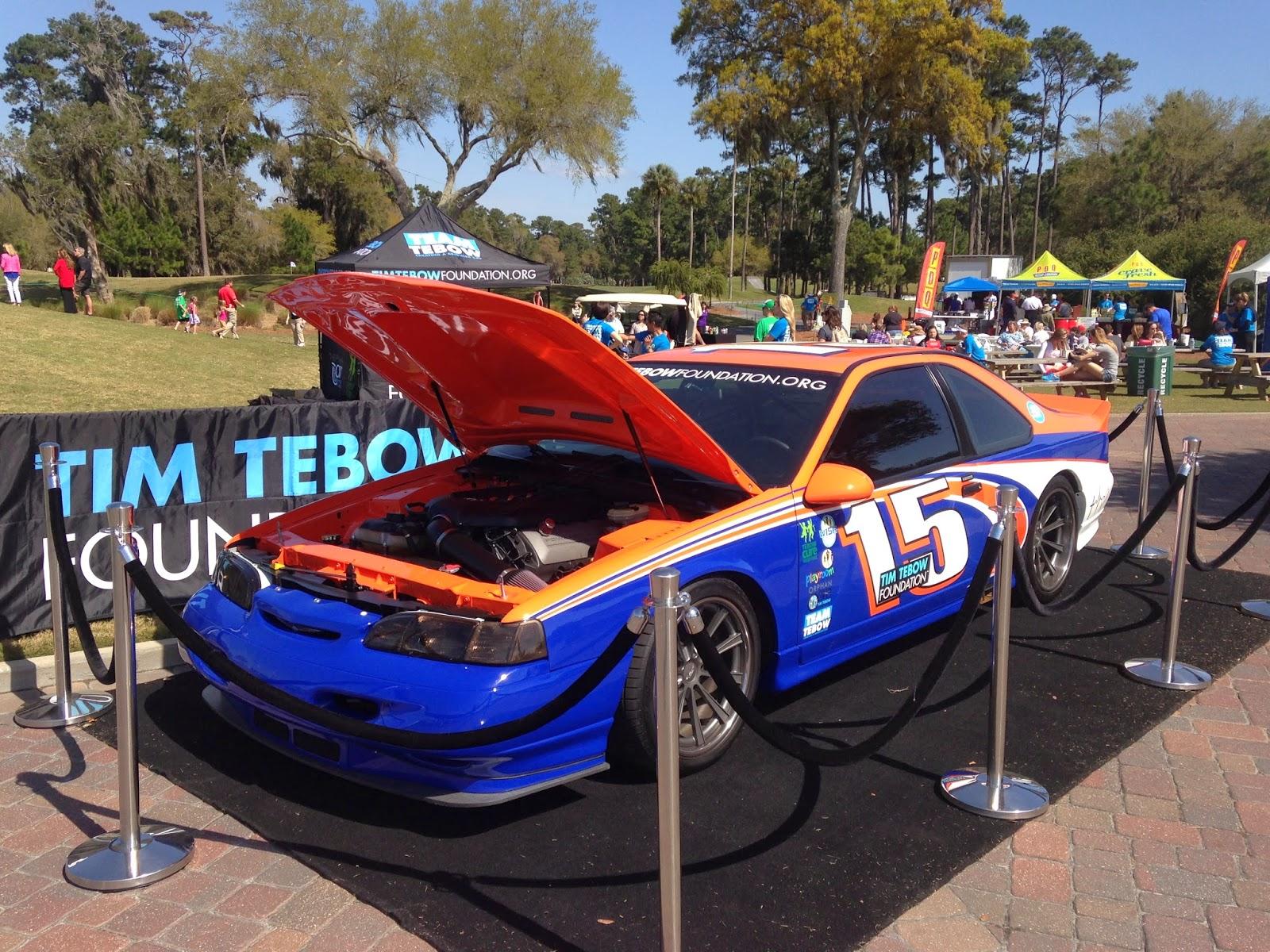 Thunderbird car - Color: Blue  // Description: fancy