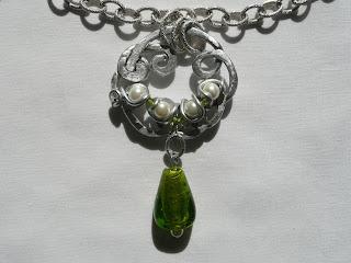 Gioielli wire, filo di alluminio, ciondolo - La speranza; Umetnički nakit, privezak - Nada