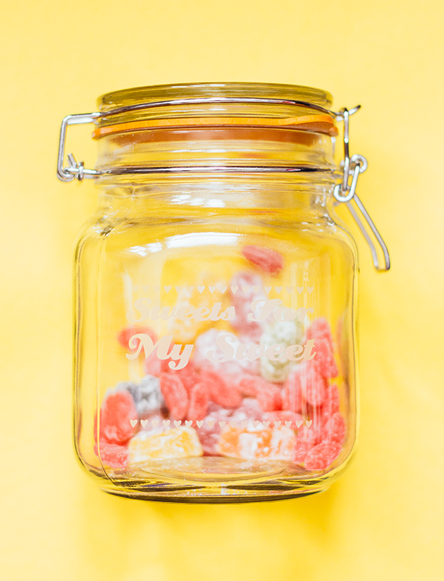 kilner jar with sweets