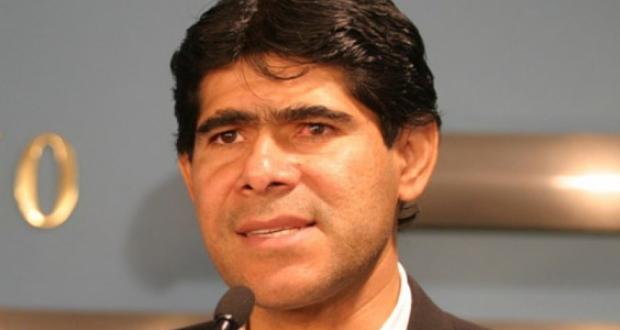 Pérez admite que conversó con Belaunde y se justifica