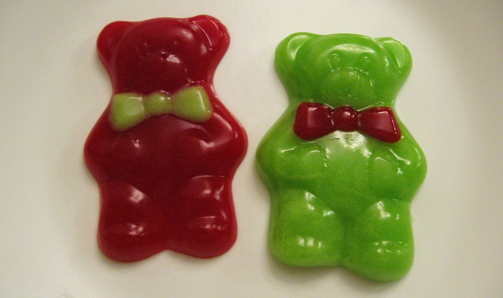 Almost Unschoolers: Homemade Christmas Gummy Bears
