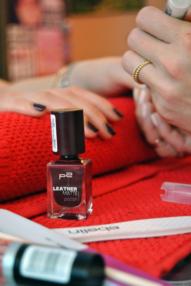 manicure p2 leather matte 070 insider's diary