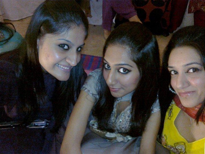 NRI girl looking for boyfriend | Online Girls Fun Maza
