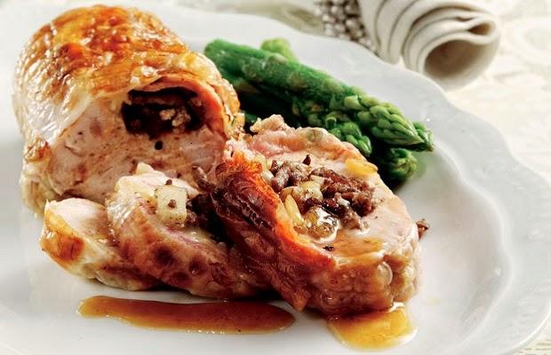 Κοτόπουλο ρολό με πατάτες και λαχανικά στη γάστρα - Συνταγή