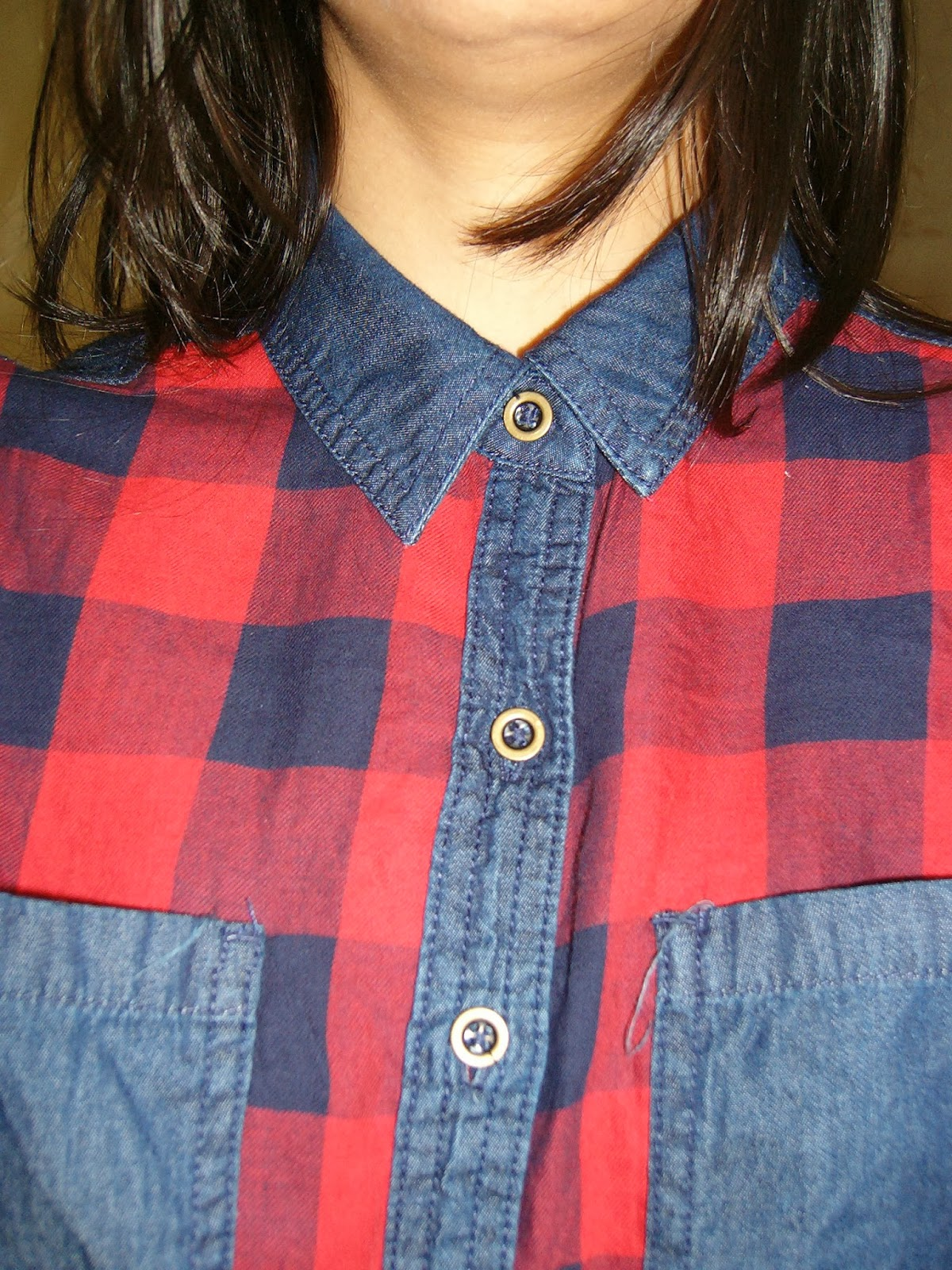 plaid shirt, tartan shirt, buttoned shirt, long sleeves shirt, how to wear denim