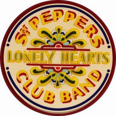 http://virgula.uol.com.br/album/musica/quem-e-quem-na-capa-de-sgt-peppers-lonely-hearts-club-band/#img=30&galleryId=quem-e-quem-na-capa-de-sgt-peppers-lonely-hearts-club-band