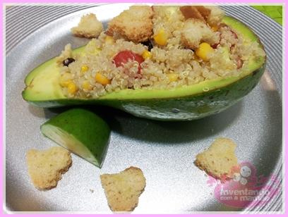 Salada de quinoa com abacate