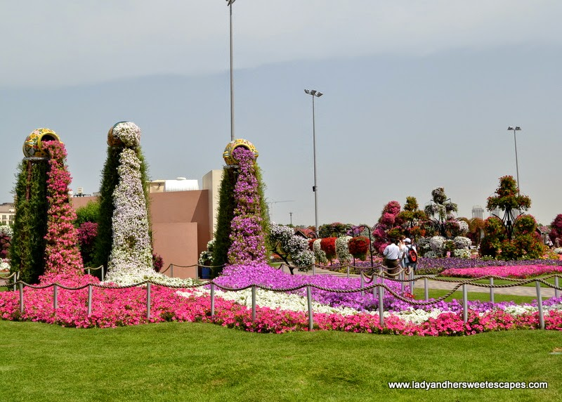 flowers and jars at Dubai Miracle Garden