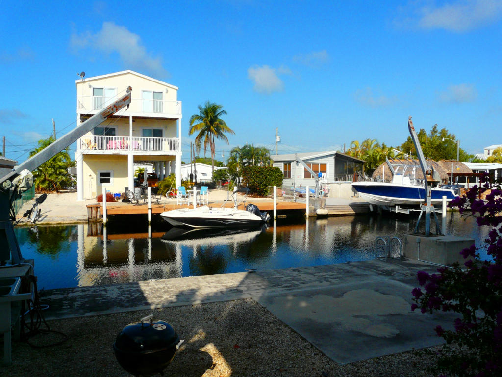 real estate in the florida keys all canal front houses