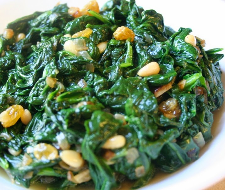 Espinafre com Pinoli e Uva-Passa (vegana)