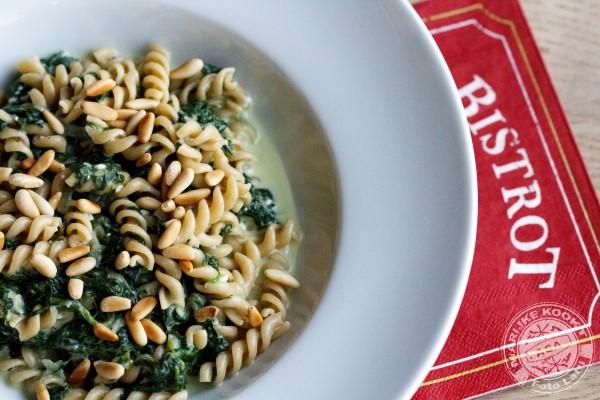 Spirelli met spinazie en feta