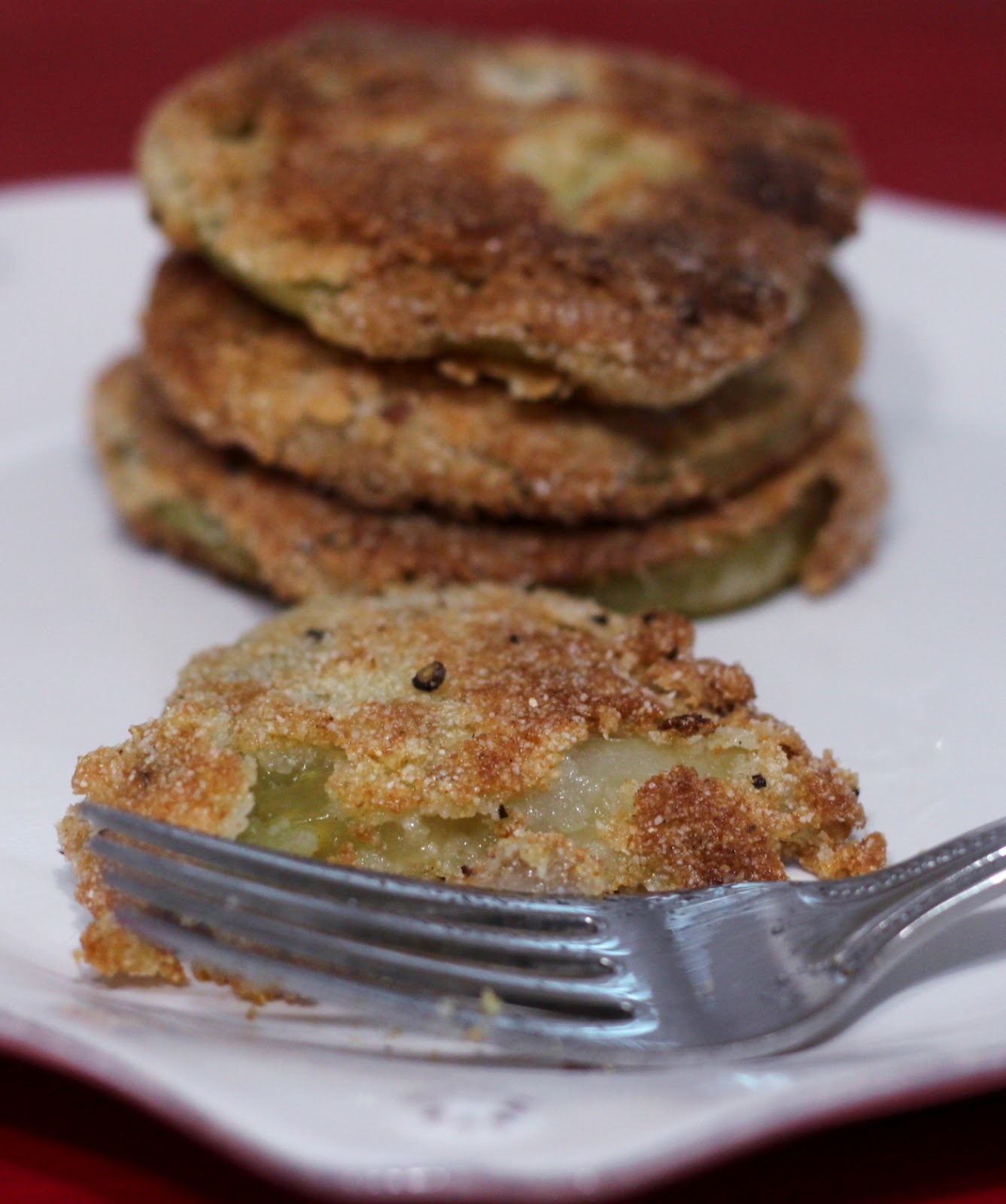 Confections from the Cody Kitchen: Cornmeal Fried Green Tomatoes
