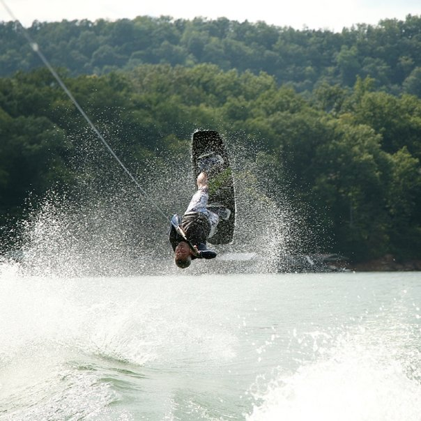 wakeboard, tennessee, knoxville, watersports, water, sports, action, alm photo, photography, professional photography, allan mueller, lisa mueller