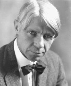grass by carl sandburg an analysis Poetry analysis - carl sandberg's  carl sandburg's use of allusion in grass essay - carl sandburg's use of allusion in grass carl sandburg's short poem grass represents a metaphor for the disguise of history.