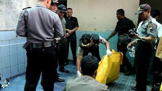 Jelang Hari Santri, Warga Digegerkan Temuan Mayat Bayi Di Masjid, Pelakunya Santri Ponpes
