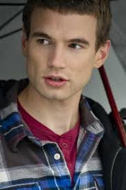 Alex Russell Height - How Tall