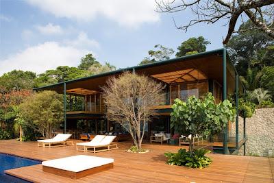 Дом в лесу с видом на океан, Сан Пауло, Бразилия