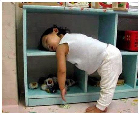 Foto+Bayi+Lucu+tidur+di+rak